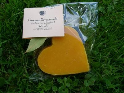 Foto von Herz Orangen Zitronen Seife